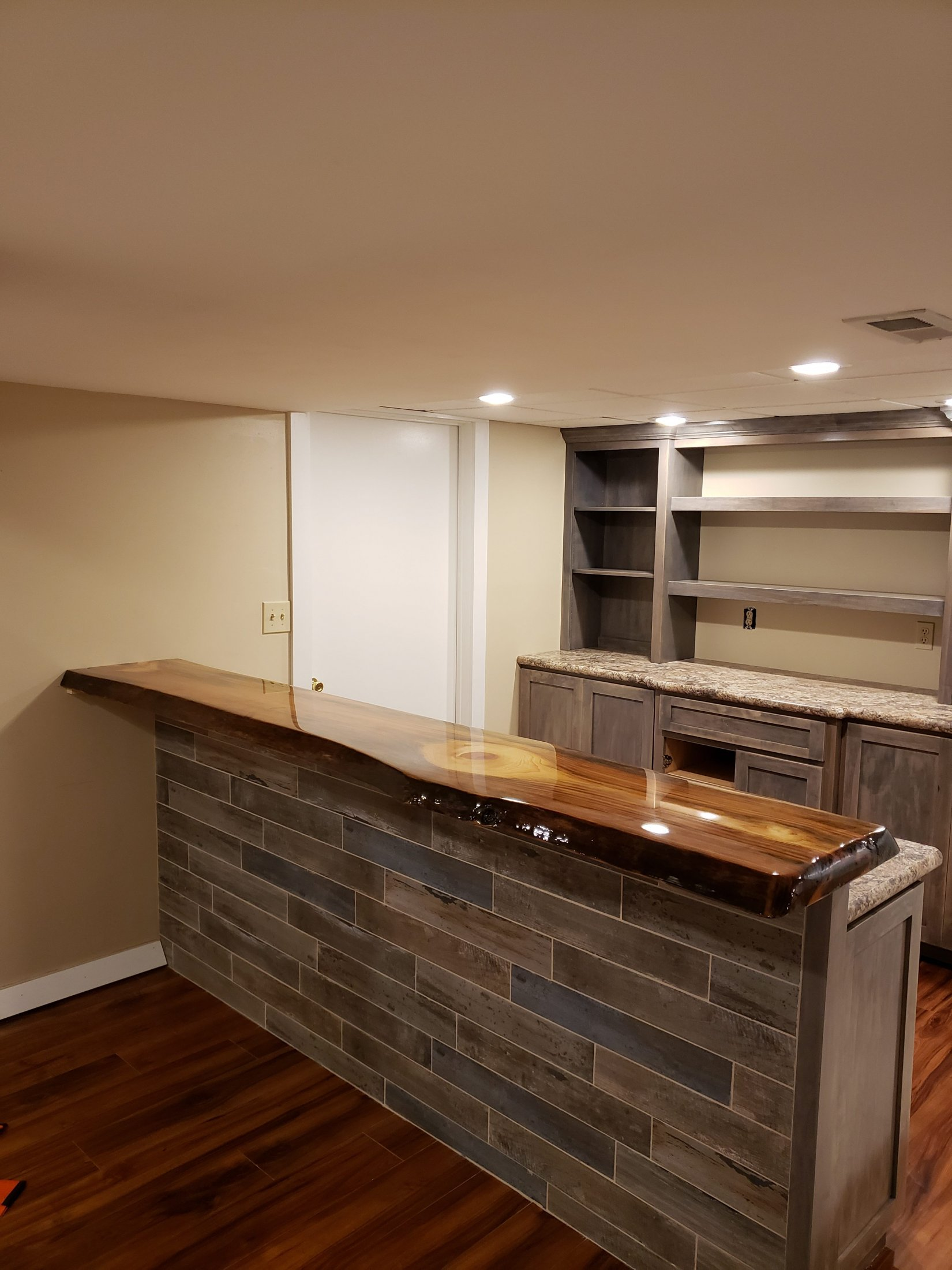 Pine Bar Top
